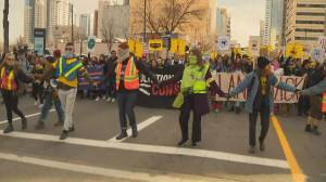 Climate advocates, oil and gas supports rally in Edmonton