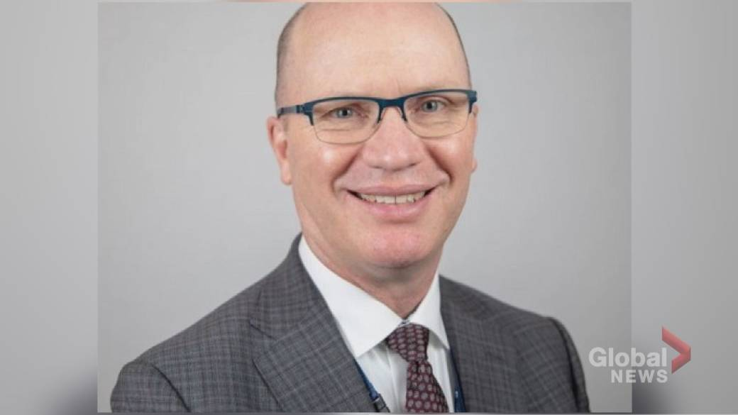 Click to play video 'Hospital system CEO resigns from Ontario COVID-19 advisory table after holiday vacation'