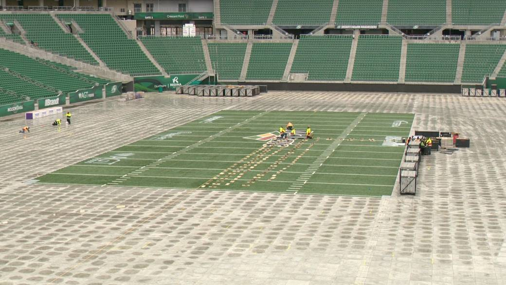 Mosaic Stadium begins flipping football field into NHL rink for Heritage Classic