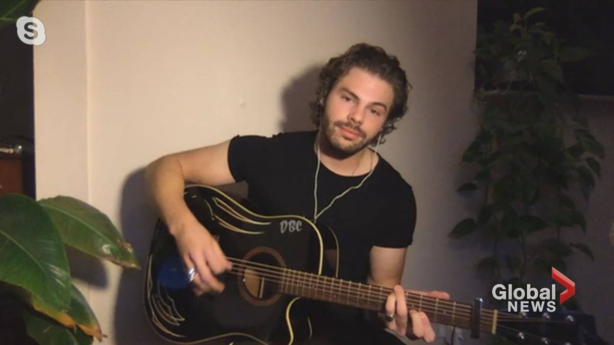Click to play video 'Alberta musicians channel talent to help people living with Alzheimer's disease'