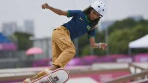 Wiping out barriers: Teen Olympians dominate, inspire in women's skateboarding (01:45)