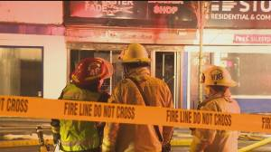 Fire crews at the scene of a strip mall blaze in New Westminster (00:41)