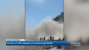 Beachgoers capture moment part of Scarborough Bluffs shed rocks, sand