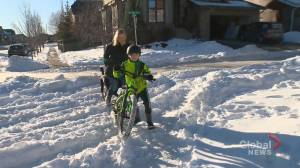 Calgarians support proposal to speed up plowing after major snowfalls (01:39)