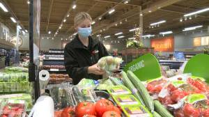 Uxbridge thanks grocery store workers with new campaign (01:49)