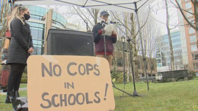 Click to play video: Students support Vancouver school liaison officer program