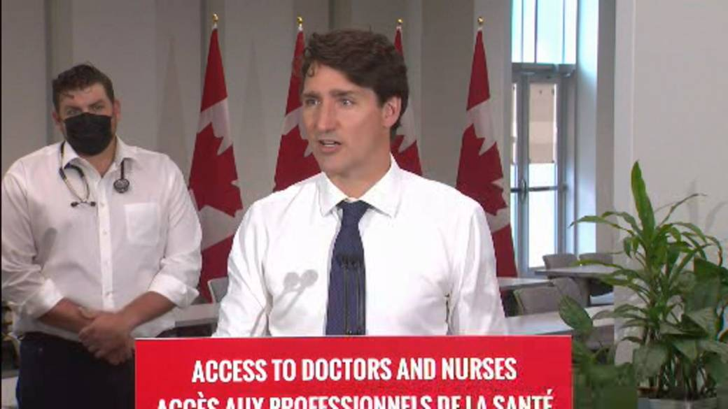 Click to play video: 'Trudeau defends tweet by Freeland marked as 'manipulated media' by Twitter'