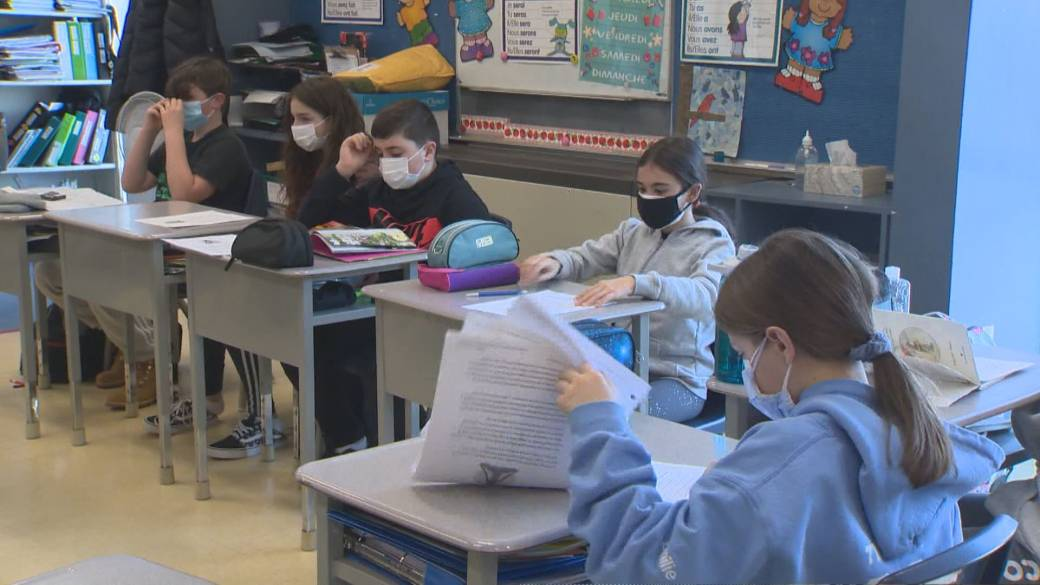 Click to play video: 'Return to school renews fears for unvaccinated kids under 12'