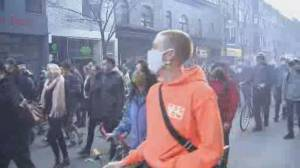 COVID-19: Montreal protesters denounce 8 p.m. curfew as unscientific, harmful to vulnerable (01:49)