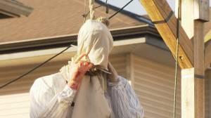 Maple Ridge resident defends Halloween display (01:06)