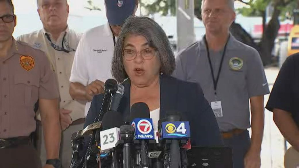 Click to play video: 'Death toll in Surfside building collapse rises to 22, Miami-Dade County mayor says'