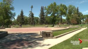 Lethbridge residents encouraged to stay safe during heat wave (01:48)
