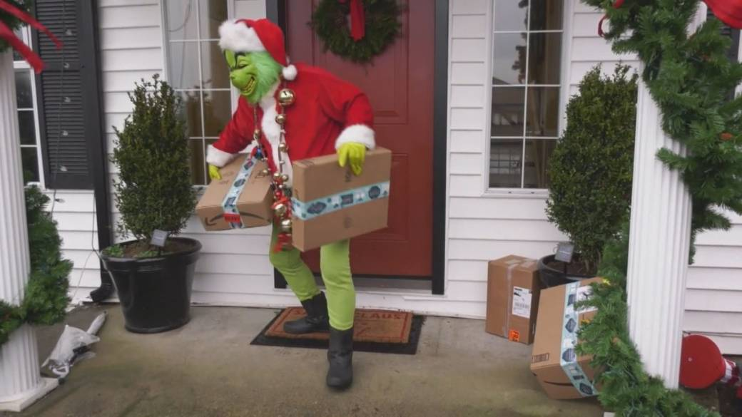 Click to play video 'Metro Vancouver Crime Stoppers warns about porch pirates'
