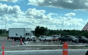 Stolen truck weaves through traffic on Lagimodiere