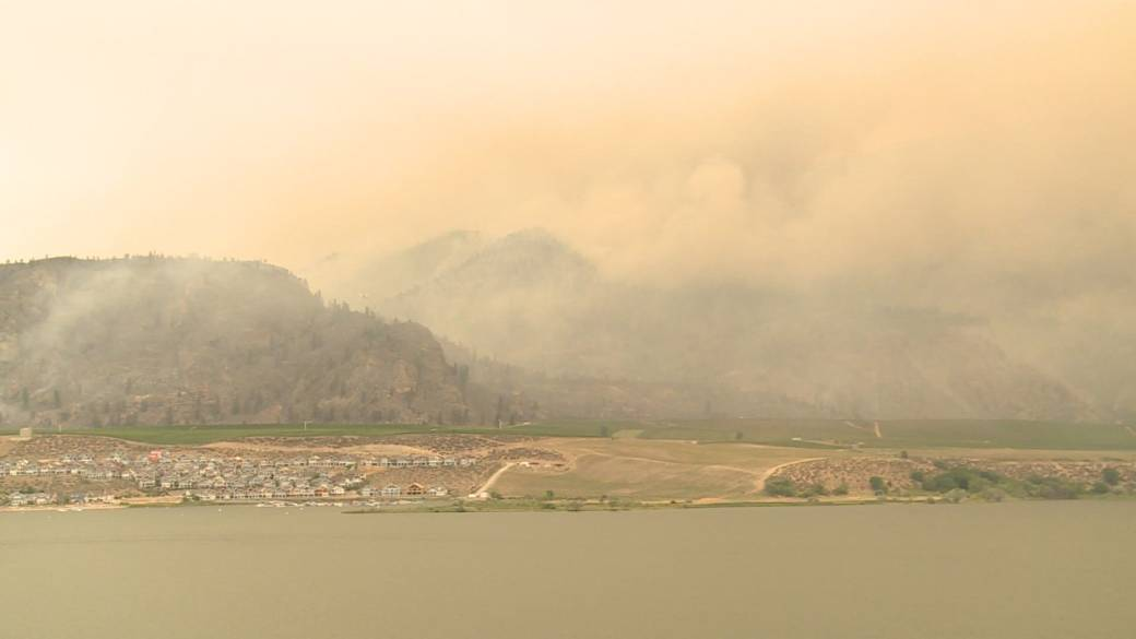 Click to play video: 'South Okanagan wildfire now 2,000 hectares'