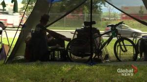 How can we help Montreal's homeless population beat the heat? (01:58)