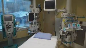 Alberta plans more field hospitals as COVID-19 overwhelms ICUs (01:59)