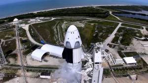 SpaceX postpones launch of astronaut crew in first operational mission (01:46)