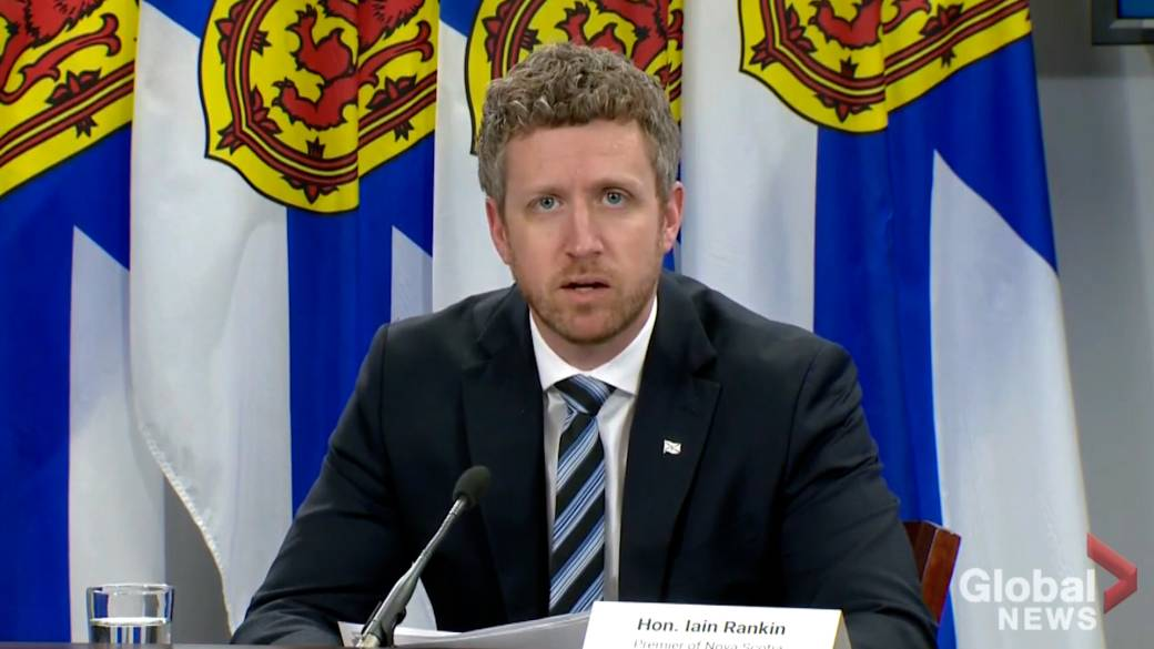 Click to play video: 'Nova Scotia outlines tougher COVID-19 measures amid record cases'