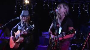 Folk-pop duo Kris + Dee visit Global News Morning