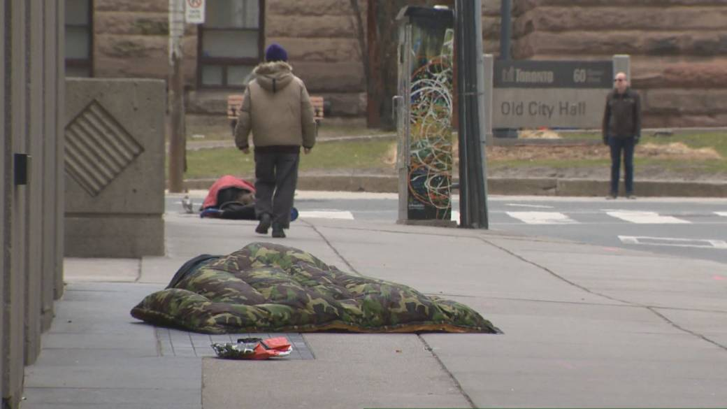Click to play video 'Toronto records its first homeless death of coronavirus pandemic'
