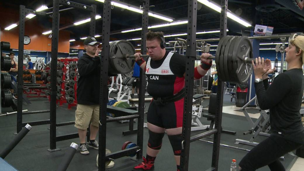 Ontario teen turns to powerlifting after history of concussions