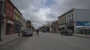 COVID-19 'critical threshold' declared in Ontario region, as cases surge (01:45)