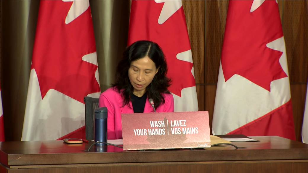 Click to play video 'Coronavirus: Canadians must reduce contacts to bring pandemic under control, Dr. Tam says'