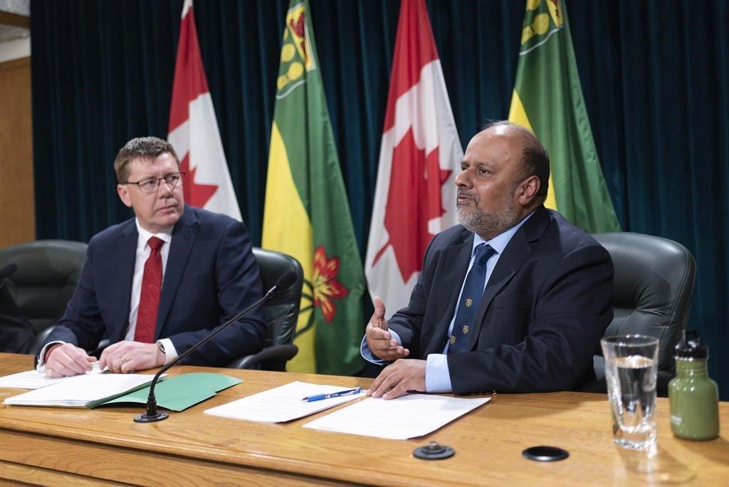 Click to play video 'Saskatchewan restricting indoor gatherings to immediate household members'