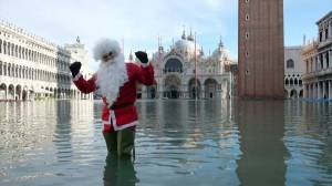 High tides and massive floods hit Venice once again