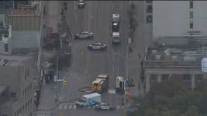 Emergency crews on scene in Toronto amid reports of suspicious packages (00:34)