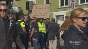 Federal Election 2019: Yellow vest protesters show up at Trudeau campaign event in Barrie, Ont.