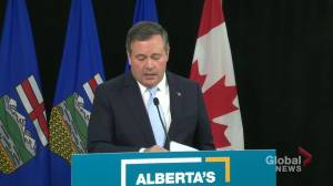 Are Albertans losing faith in Dr. Hinshaw and the province? Kenney defends back-to-school plan (03:57)