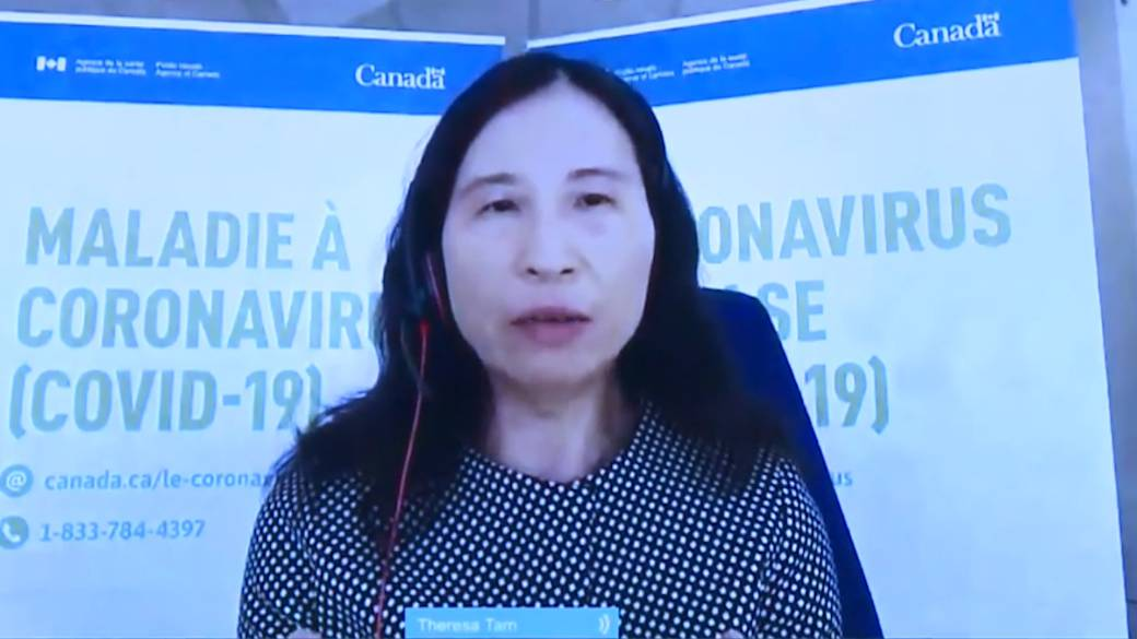 Click to play video 'Coronavirus: Canada's top doctor comments on CDC's guidelines for fully vaccinated Americans'