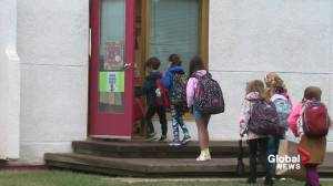 First day back at school for thousands of Edmonton students (01:33)