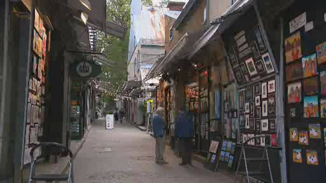 Click to play video: 'Quebec City tourism slowly recovering amid pandemic and vaccine passports'