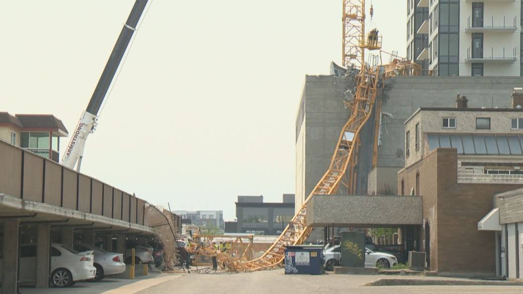 Click to play video: 'Four construction workers along with one nearby office worker killed when a crane collapses in downtown Kelowna'
