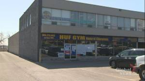 Mississauga gym opens, flouts COVID-19 emergency orders (02:10)