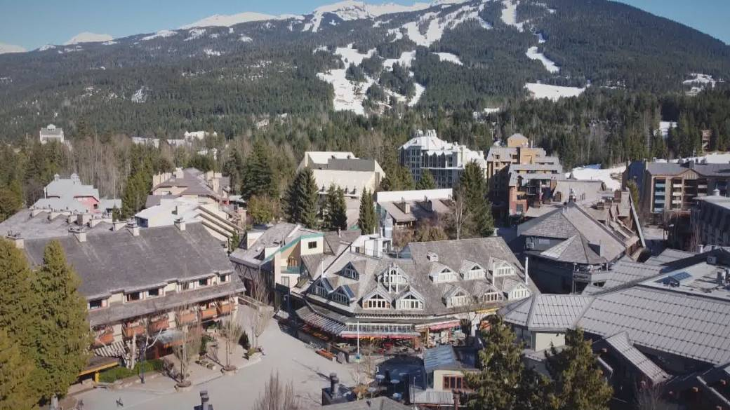 Click to play video: 'Whistler mass-vaccination program begins'