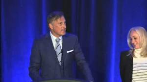 Canada election: PPC leader Maxime Bernier brags of 'purple wave'; loses own riding (01:41)