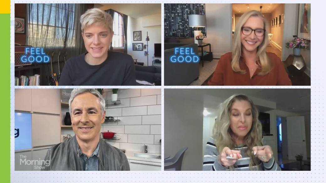 Click to play video: 'Lisa Kudrow & Mae Martin dish 'Feel Good' Season 2'