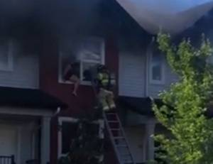 North Edmonton townhouse fire leads to dramatic rescue