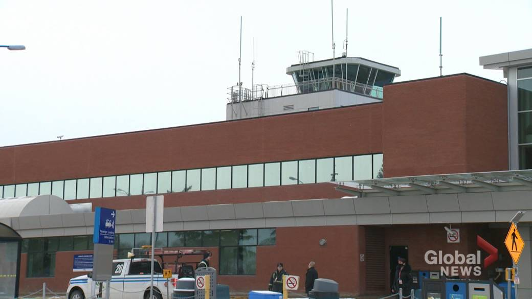 Click to play video 'NAV Canada could scale back operations at Regina airport following review'