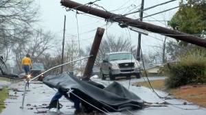 Winter storm hammers southern U.S. states leaving at least 5 dead, thousands without power