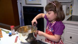 Young Saskatoon girl sells homemade cookies to fight cancer