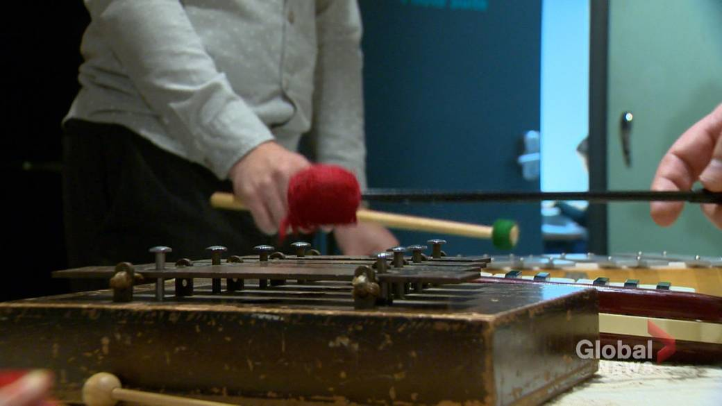 Saskatoon workshop revitalizing folk music through experimentation