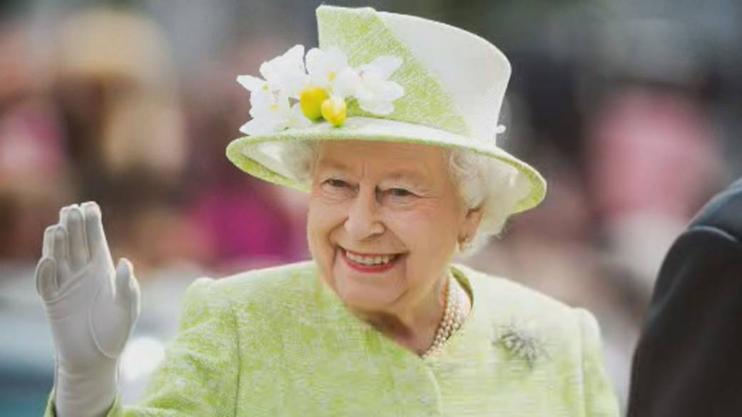 Click to play video: 'Queen responds to Harry and Meghan's tell-all interview'