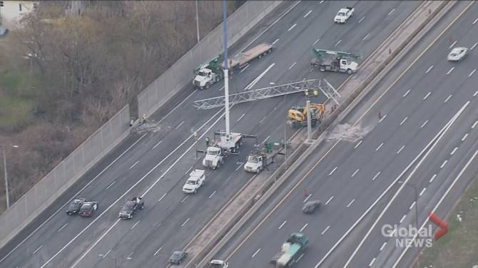 Click to play video: Toronto man dead after large sign on QEW crushes vehicle