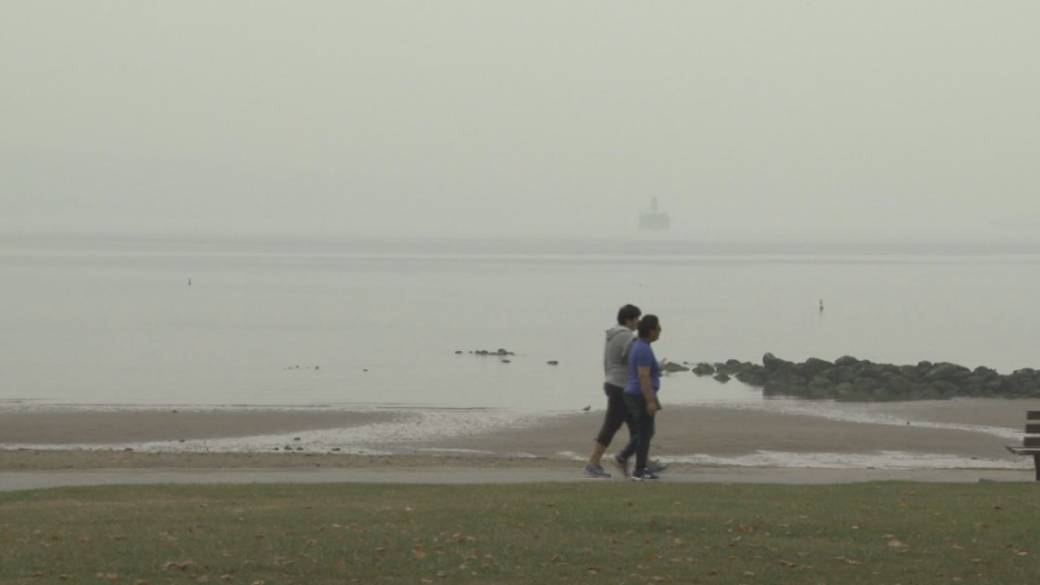 Click to play video: 'Wildfire smoke posing major health risks for the West Coast'