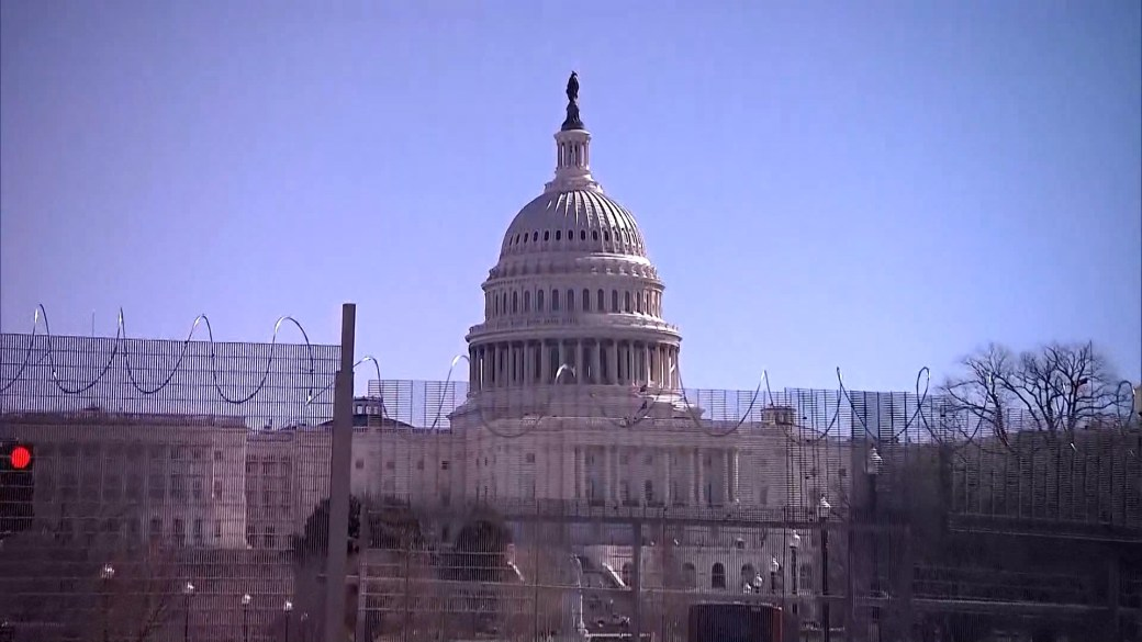 Click to play video 'US Capitol Police chief warns militia groups want to 'blow up the Capitol''